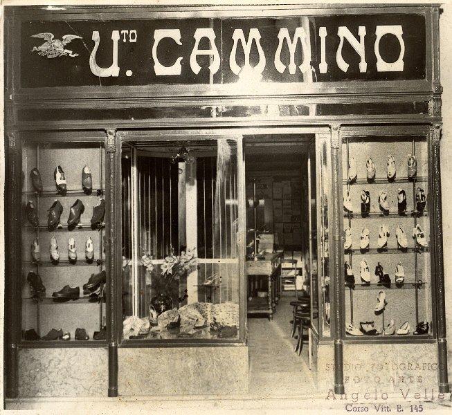 first rate bff4b 66e7d Commercianti e artigiani/NEGOZIO DI SCARPE DI CAMMINO _1